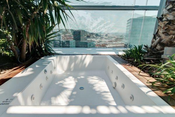 Płyty Staron® - wyposażenie łazienek